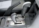 Фото авто Mitsubishi Montero 3 поколение [рестайлинг], ракурс: ручка КПП