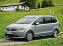 Фото авто Volkswagen Sharan 2 поколение, ракурс: 45