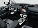Фото авто Toyota Prius 4 поколение, ракурс: торпедо