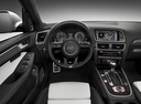 Фото авто Audi SQ5 8R, ракурс: торпедо