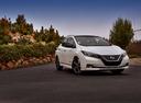 Фото авто Nissan Leaf 2 поколение, ракурс: 315 цвет: белый
