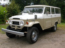 Фото авто Toyota Land Cruiser J40/J50, ракурс: 45