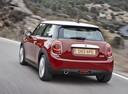 Фото авто Mini Cooper F56, ракурс: 135 цвет: красный