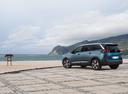 Фото авто Peugeot 5008 2 поколение, ракурс: 135 цвет: зеленый