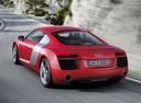 Фото авто Audi R8 1 поколение [рестайлинг], ракурс: 135 цвет: красный