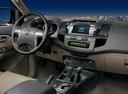 Фото авто Toyota Fortuner 1 поколение [2-й рестайлинг], ракурс: торпедо