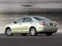 Фото авто Toyota Camry XV40, ракурс: 135 цвет: салатовый
