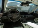 Фото авто Lexus LS 5 поколение, ракурс: рулевое колесо
