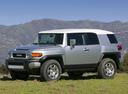 Фото авто Toyota FJ Cruiser 1 поколение, ракурс: 45 цвет: серебряный