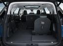 Фото авто Peugeot 5008 2 поколение, ракурс: багажник