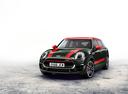 Фото авто Mini Clubman 2 поколение, ракурс: 45 цвет: зеленый