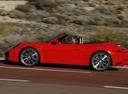 Фото авто Porsche 911 991 [рестайлинг], ракурс: 90 цвет: красный