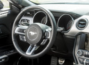 Фото авто Ford Mustang 6 поколение, ракурс: рулевое колесо