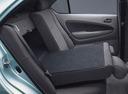 Фото авто Toyota Prius 1 поколение, ракурс: задние сиденья