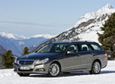 Фото авто Mercedes-Benz E-Класс W212/S212/C207/A207, ракурс: 45 цвет: мокрый асфальт