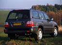 Фото авто Toyota Land Cruiser J100 [рестайлинг], ракурс: 225 цвет: серый