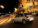Фото авто Suzuki SX4 1 поколение, ракурс: 135 цвет: серебряный