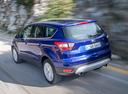 Фото авто Ford Kuga 2 поколение [рестайлинг], ракурс: 135 цвет: синий