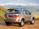 Фото авто Toyota Fortuner 1 поколение, ракурс: 225