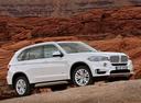 Фото авто BMW X5 F15, ракурс: 315 цвет: белый