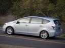 Фото авто Toyota Prius Plus 1 поколение, ракурс: 90
