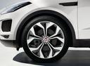 Фото авто Jaguar E-Pace 1 поколение, ракурс: колесо цвет: белый