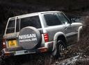 Фото авто Nissan Patrol Y61, ракурс: 225 цвет: серебряный