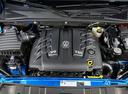 Фото авто Volkswagen Amarok 1 поколение [рестайлинг], ракурс: двигатель цвет: синий