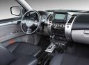 Фото авто Mitsubishi Pajero Sport 2 поколение [рестайлинг], ракурс: торпедо