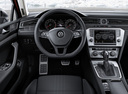 Фото авто Volkswagen Passat B8, ракурс: рулевое колесо