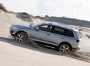 Фото авто Volkswagen Touareg 1 поколение [рестайлинг], ракурс: 90 цвет: серебряный