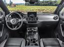 Фото авто Mercedes-Benz X-Класс 1 поколение, ракурс: торпедо