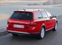 Фото авто Volkswagen Passat B7, ракурс: 225 цвет: красный