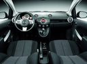 Фото авто Mazda 2 DE, ракурс: торпедо