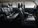 Фото авто Mitsubishi Pajero 4 поколение [2-й рестайлинг], ракурс: салон целиком