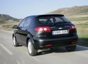 Фото авто Chevrolet Lacetti 1 поколение, ракурс: 135 цвет: черный