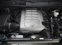 Фото авто Toyota Tundra 2 поколение [рестайлинг], ракурс: двигатель