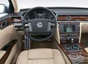 Фото авто Volkswagen Phaeton 1 поколение, ракурс: рулевое колесо