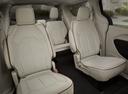 Фото авто Chrysler Pacifica 2 поколение, ракурс: задние сиденья