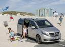 Фото авто Mercedes-Benz V-Класс W447, ракурс: 315 цвет: серебряный