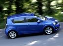 Фото авто Chevrolet Aveo T300, ракурс: 270 цвет: синий