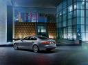 Фото авто Jaguar XF X260, ракурс: 135 цвет: серебряный