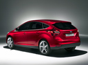 Фото авто Ford Focus 3 поколение, ракурс: 135 цвет: бордовый