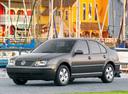 Фото авто Volkswagen Jetta 4 поколение, ракурс: 45 цвет: серый