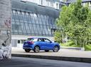 Фото авто Audi Q2 1 поколение, ракурс: 225 цвет: голубой