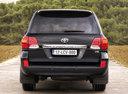 Фото авто Toyota Land Cruiser J200 [рестайлинг], ракурс: 180 цвет: черный