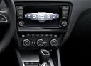 Фото авто Skoda Octavia 3 поколение, ракурс: центральная консоль