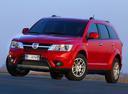 Фото авто Fiat Freemont 345, ракурс: 45 цвет: красный