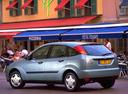 Фото авто Ford Focus 1 поколение, ракурс: 135 цвет: серебряный
