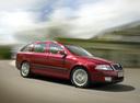 Фото авто Skoda Octavia 2 поколение, ракурс: 315 цвет: красный